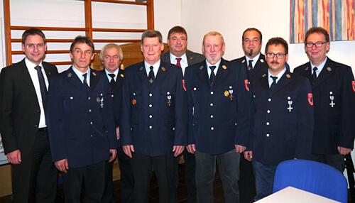 Gruppena bild Geehrte mit Honoratioren FFW Breitenbronn