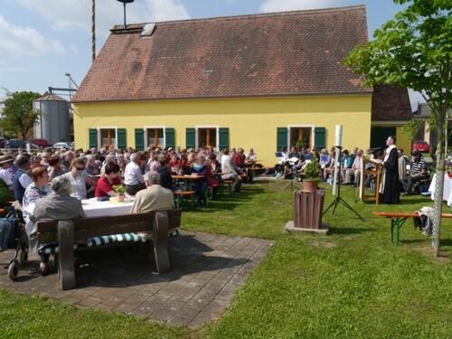 a Freiluftgottesdienst in Gerbersdorf